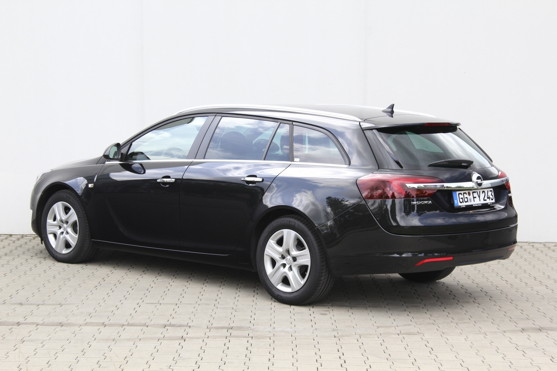 opel insignia sports tourer test complet prix sp cifications. Black Bedroom Furniture Sets. Home Design Ideas