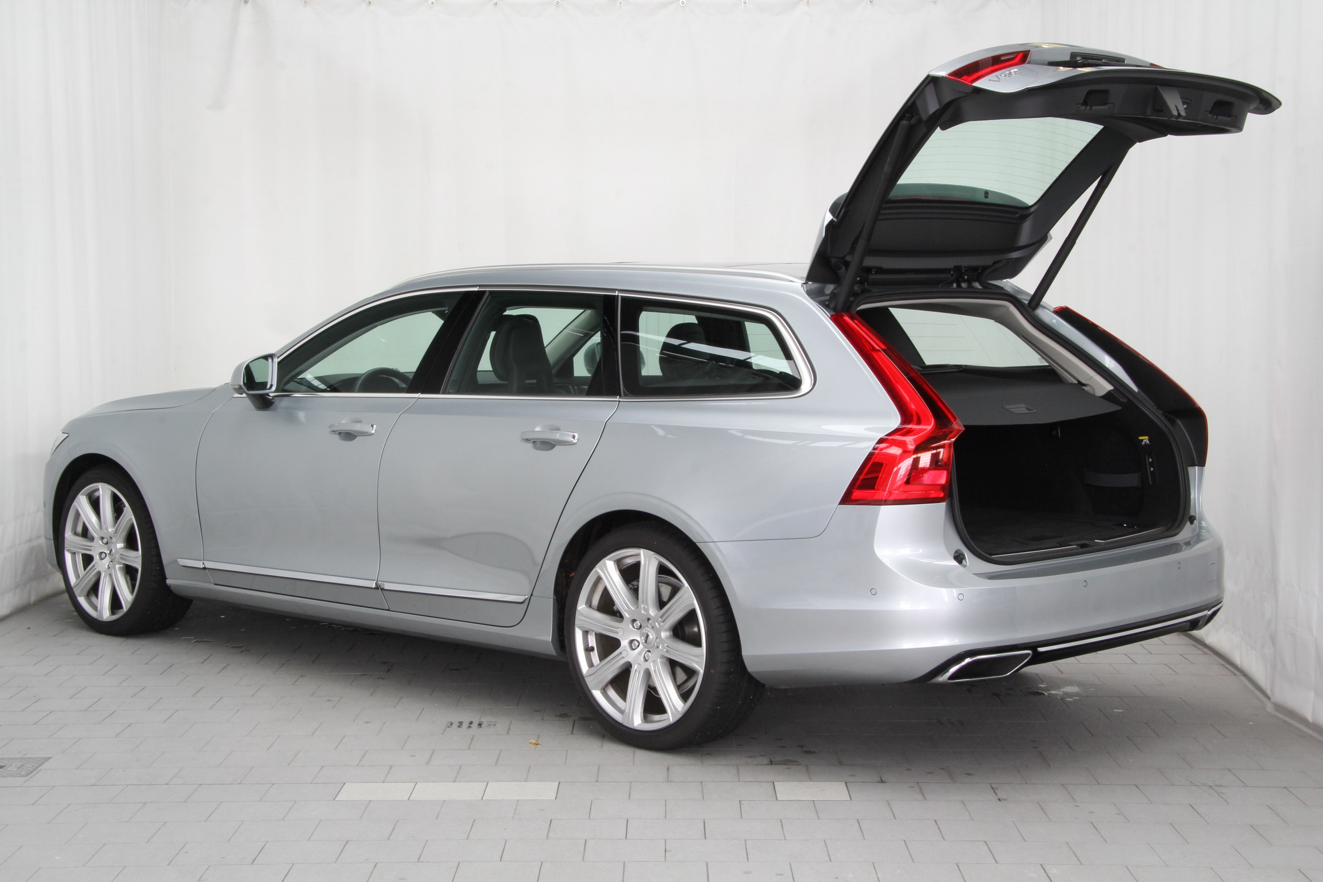 volvo v90 d5 test complet prix sp cifications. Black Bedroom Furniture Sets. Home Design Ideas