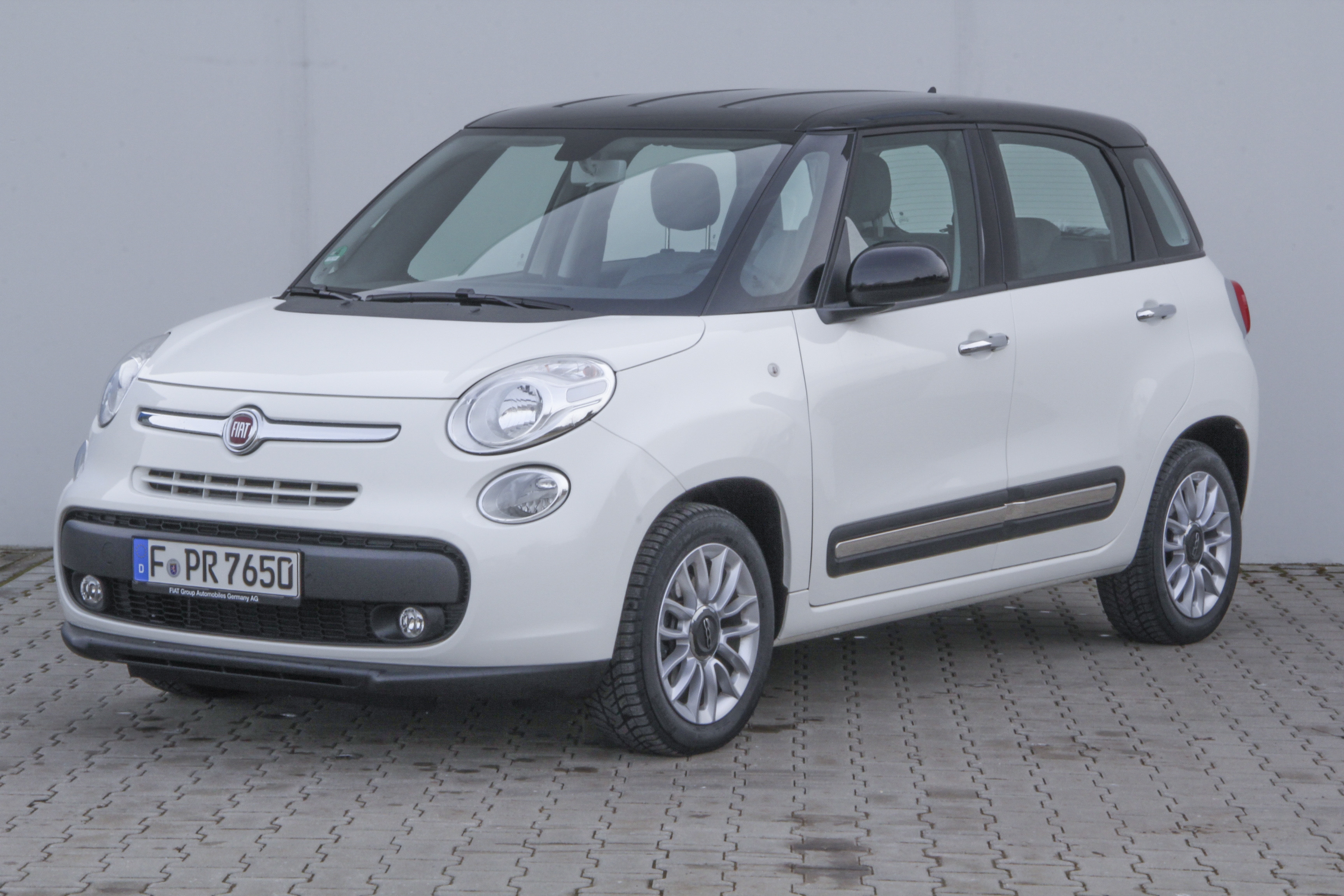 fiat 500l test complet prix sp cifications. Black Bedroom Furniture Sets. Home Design Ideas